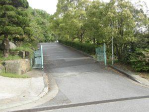 星和高原ゴルフセンター入口(左折)